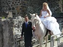 mariée cheval blanc