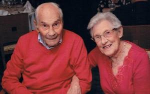 vieux jeunes mariés