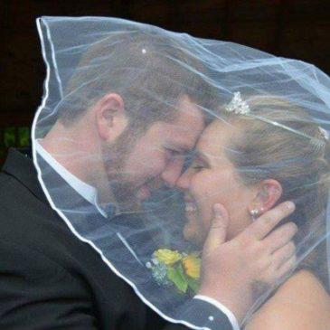 Elle oublie leur mariage à la suite d'un accident