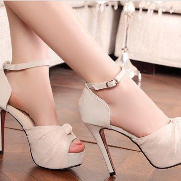 Trouver chaussures de mariage à ses pieds